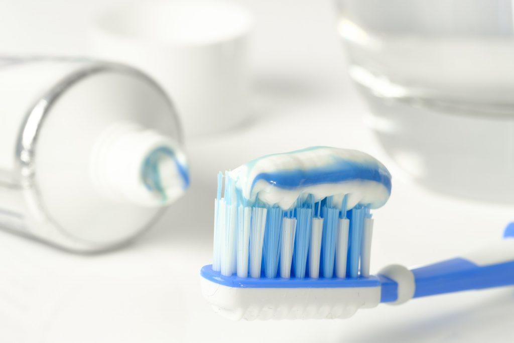 Zahnpasta zur Silberbesteck reinigen auf besteckkasten-besteckset.de